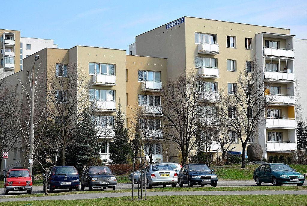 blok przy ulicy Grzegorzewskiej 3 w Warszawie